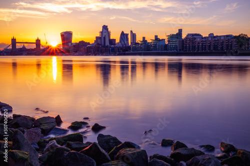 panorame-londynu-z-tamiza
