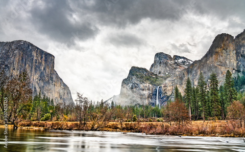 The Merced river in Yosemite Valley, California Wallpaper Mural