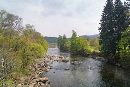 Fotografiet The river Dee near Balmoral Castle
