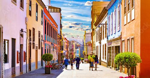 Obraz na plátně Islas canarias.Tenerife. Calles del pueblo de  La Laguna.
