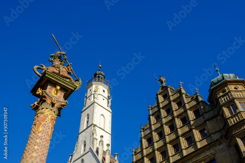 Foto op Plexiglas Historisch mon. St. Georg fountain by town hall in Bavaria against clear blue sky, Germany