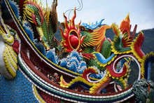 Yilan City, Taiwan - May 12 2017: Close Up Of A Rooftop Of A Taiwanese Temple With Colorful Painted Dragons