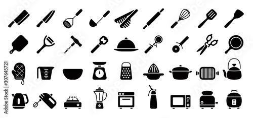 Fotografía Kitchen Utensils and Tool Icon Set (Flat Silhouette Version)