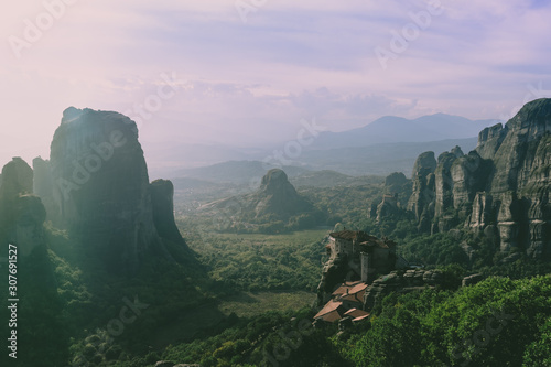 Foto auf AluDibond Flieder view of the canyon in meteora