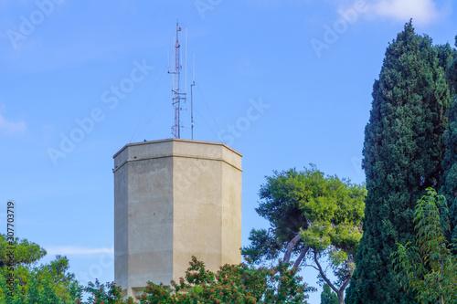 Valokuva Historic water tower, in the Carmel Center, Haifa