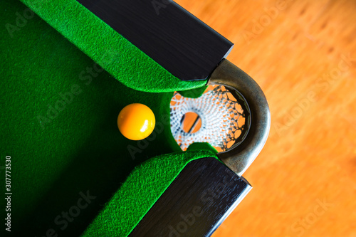 Fotografie, Obraz snooker ball is on the table.