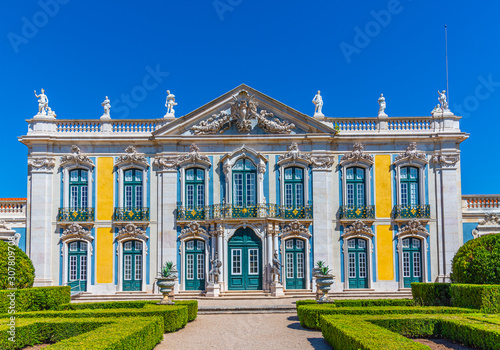 View of the national palace of Queluz in Lisbon, Portugal Fototapet