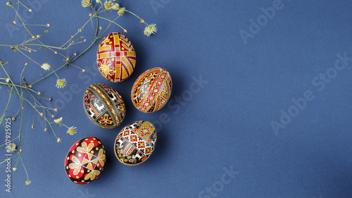 Fotografia Easter eggs decorated with wax resist technique