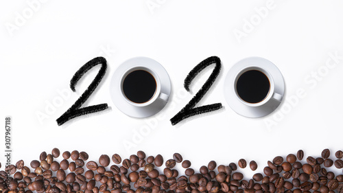 2020 hand latter with cups of coffee and coffee beans isolated on white Poster Mural XXL