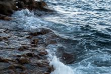 Sydney Australia, Coastal Scene Of Waves Breaking And Rushing Over Rocks