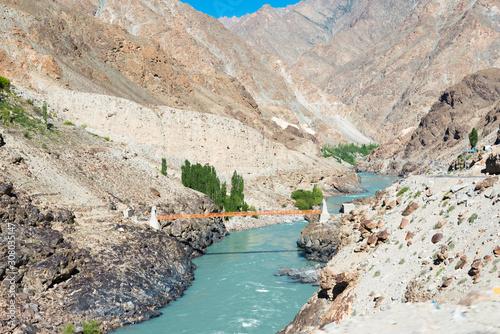 Photo Ladakh, India - Jun 29 2019 - Indus river at Aryan Valley in Ladakh, Jammu and Kashmir, India