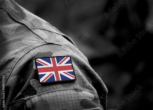 Valokuvatapetti Flag of United Kingdom on military uniform