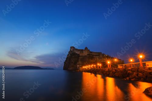 Cuadros en Lienzo Aragonese castle at early sunrise