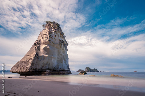 Poster Cathedral Cove The big rock at the beach cathedral cove in Coromandel, New Zealand - longexposure photography