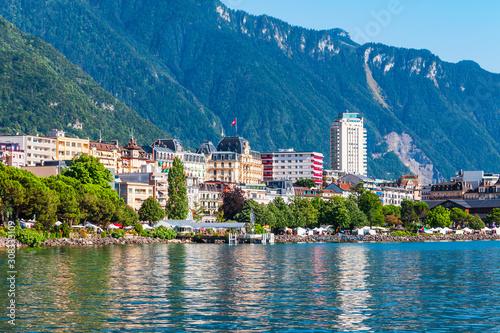 Stampa su Tela Montreux town on Lake Geneva