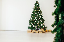 Christmas Tree With New Year G...