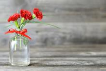 Red Carnation Flowers In Vase ...