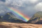 Fototapeta Tęcza - Stunning rainbow over the West Maui mountains.