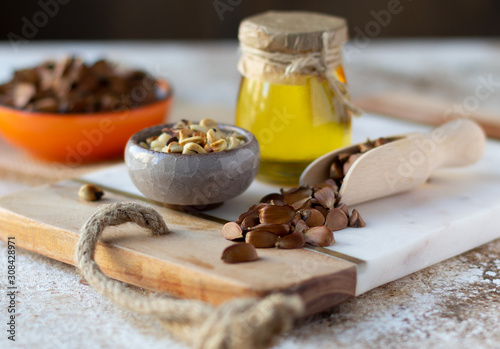 Photo Beechnuts and beech nut oil