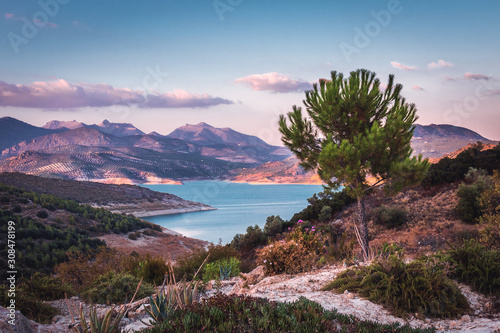 Photo Lake Iznajar in Andalucia, Southern Spain
