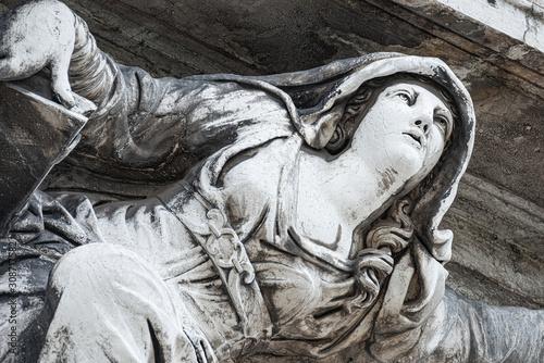 Valokuva Ancient aged sculpture of beautiful Venetian Renaissance Era woman angel at Basi