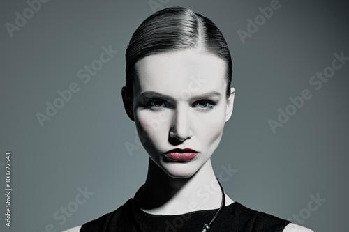 Fototapety, obrazy: charming confident lady
