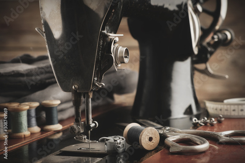 Photo  Old antique sewing machine close up