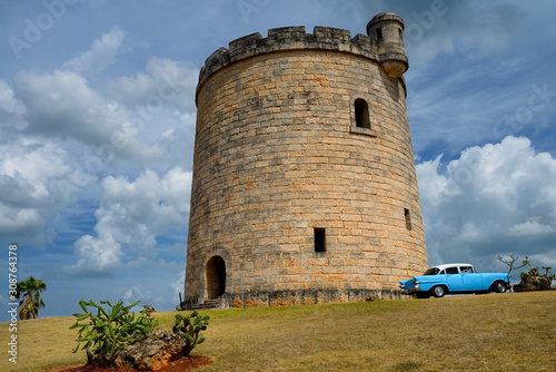 Obraz na plátne Stone castle watchtower hiding a water tower in Varadero Cuba