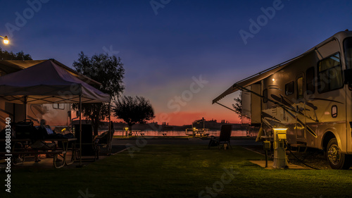 Cuadros en Lienzo Long exposure photo at a Rv park during a sunset on the delta in Rio Vista Ca