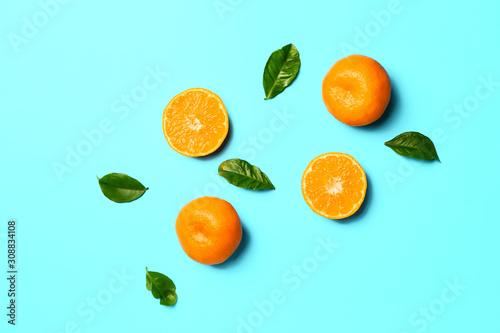 obraz dibond Sweet tangerines on color background