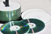 CD-R  CD-RW  DVD