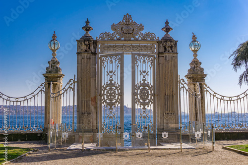 Fototapeta Gate to the Bosphorus at Dolmabahce Palace in Istanbul, Turkey