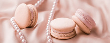 Sweet Macaroons And Pearls Jew...