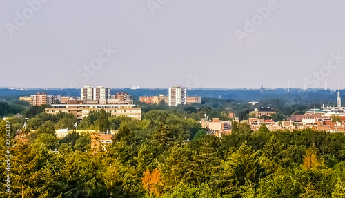 Photo skyline view of the city of apeldoorn from the forest, Dutch town in nature, The
