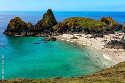 Canvas Kynance cove - a popular but secluded beach in Cornwall, England