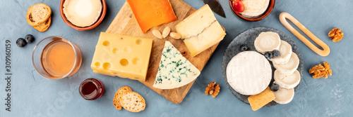 Photo Cheese platter overhead panoramic shot