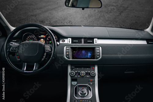 Платно Modern and expensive car interior