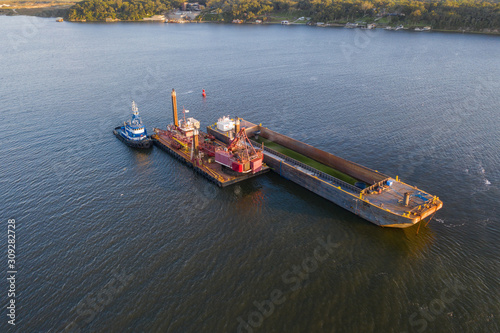 Valokuva Aerial view of river dredging equipment in St. Johns River.