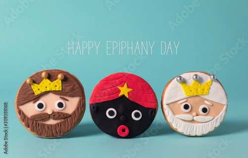Photo the magi and the text happy epiphany day