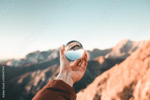 Fotografia focalizza l'obiettivo all'orizzonte