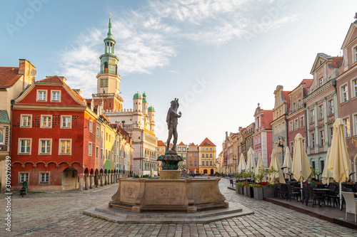 Obraz Main Market city square (Stare Miasto) of Poznan, Poland,  - fototapety do salonu