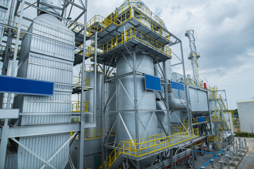 Industrial waste plant process Waste-to-energy plant. Produces electricity and heat directly through combustion.