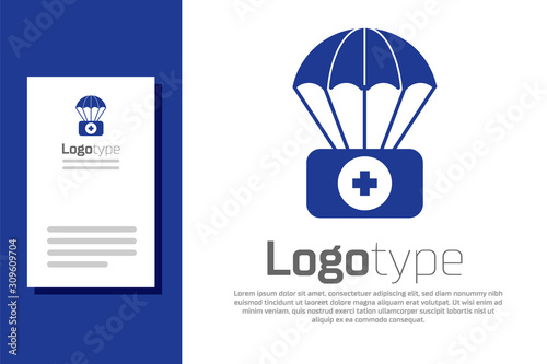 Carta da parati Blue Parachute with first aid kit icon isolated on white background