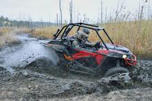 Amazing UTV Driving In Mud And...