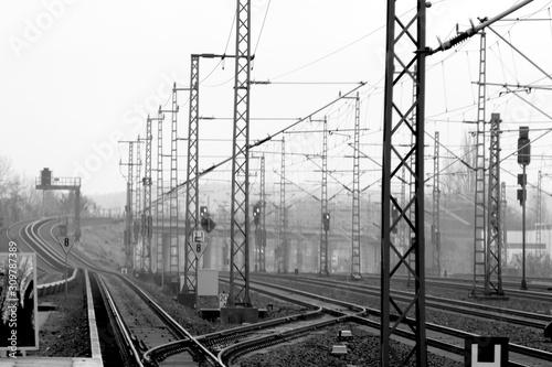 Obraz Bahngleise S-Bahn Berlin - fototapety do salonu