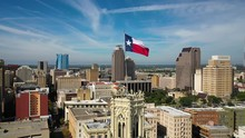 4K Texas Flag Flying Over San ...