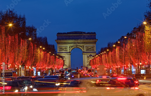 Cuadros en Lienzo The Triumphal Arch and Champs Elysees avenue illuminated for Christmas 2019 ,Paris, France