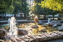 Поющий Журавль Sculpture Singing Crane Among Trees