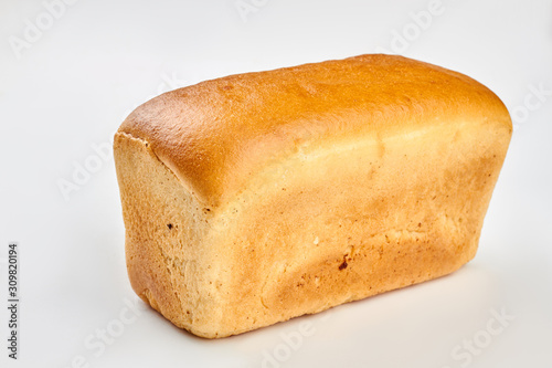 Fotografía Square bread loaf on white background