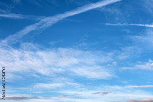 blue sky and white clouds - fototapety na wymiar